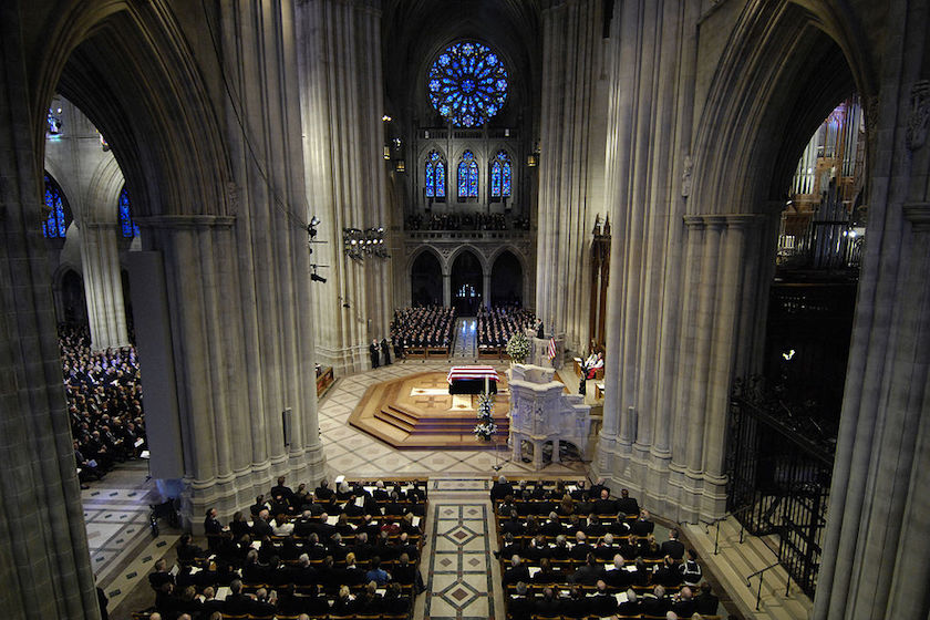 1024px-ford_funeral_at_national_cathedral_wide_view